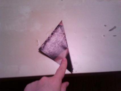 flakes tiny fold
